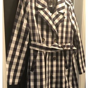 Women's 2011 Icon trench in oversized gingham